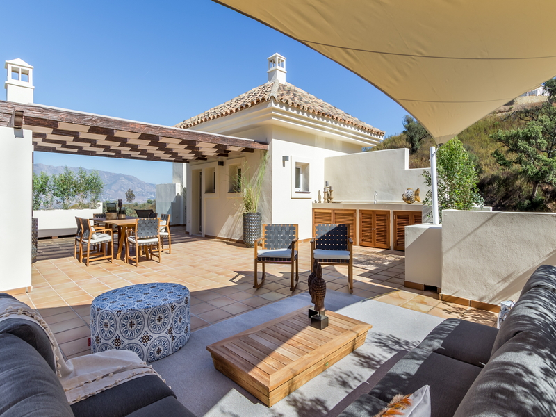 Off plan apartments for sale in La Mairena, Elviria, East Marbella